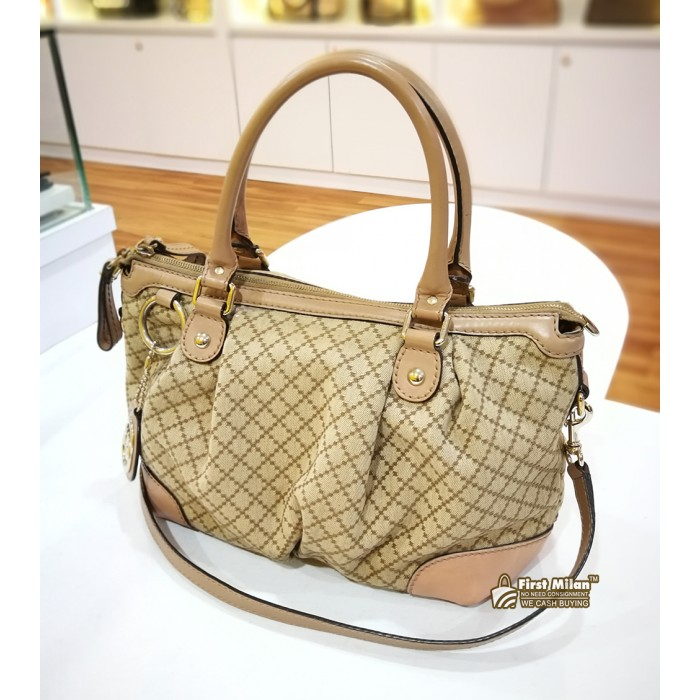 1a23821dff7d GUCCI Sukey Medium Top Handle Bag