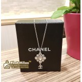 CHANEL Crystal Flower Motif Necklace