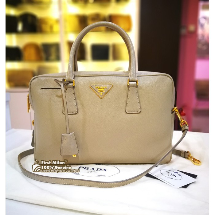 44a907ae45d7 ... authentic prada saffiano lux top handle bag 0dc1b ff536