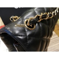 CHANEL Jumbo Flap In Lambskin Leather GHW