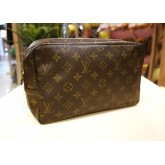 LOUIS VUITTON Monogram Canvas Trousse Toilette Clutch