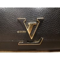 LOUIS VUITTON Taurillon Capucines Wallet