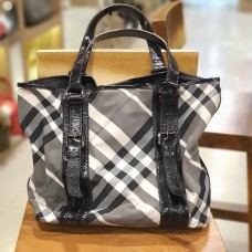 BURBERRY Beat Check Tote