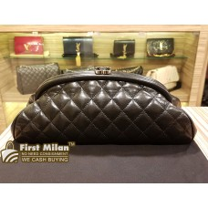 CHANEL Lambskin Clutch Timeless Frame With Kiss-Lock