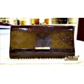 LOUIS VUITTON Monogram Vernis Robertson Clutch (Maroon)