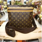 LOUIS VUITTON Monogram Pochette Bosphore Bag