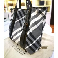 BURBERRY Beat Check Tote Bag